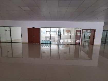 黄埔文冲新出二楼标准厂房4500平出租,现成前台,老板办公室
