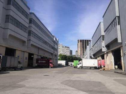 福永塘尾地铁站附近宝安大道边物流园1500平单一层钢结构仓库