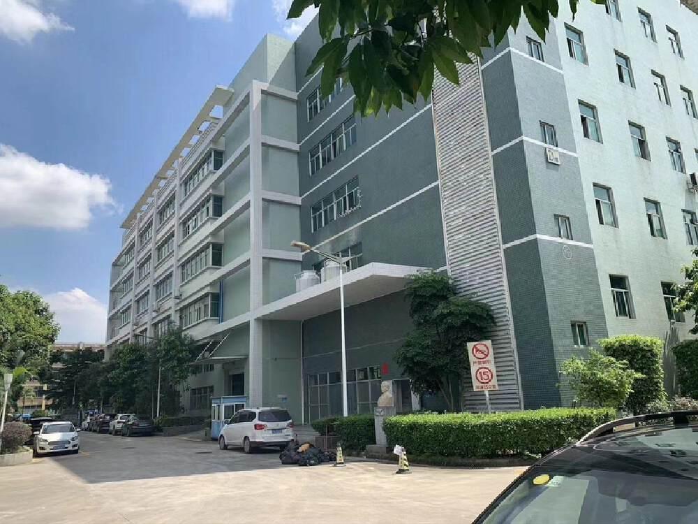 黄埔科学城工业区一楼带装修、有红本标准厂房3300平出租