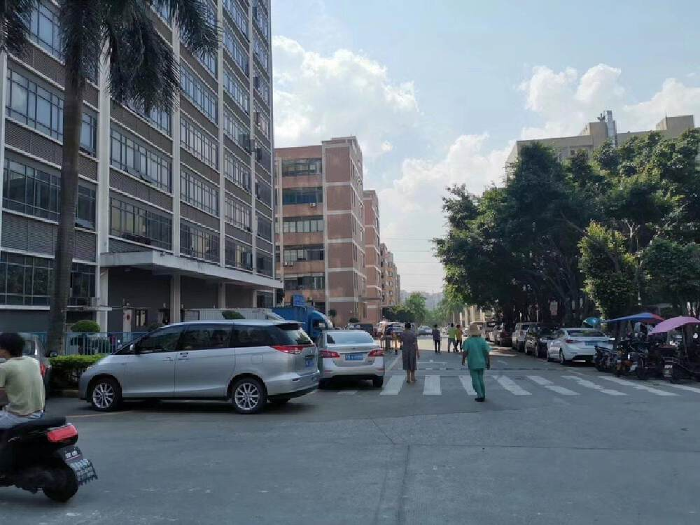 龙华唯一红本厂房,近地铁,大园区,产权过户安全,真实房源。