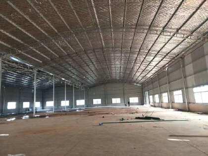 开元东路附近2400平米钢结构厂房出租,层高9米,可分租