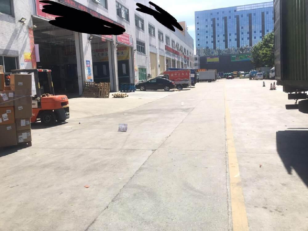 福永镇塘尾凤塘大道边独院厂房超大空地1800平方仓库出租