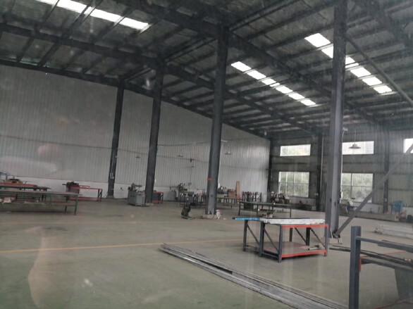 湾田国际附近1000平厂房出租