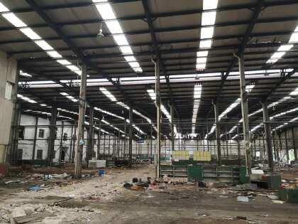 麓谷大道旁14000平钢结构标准厂房出租(可分租)