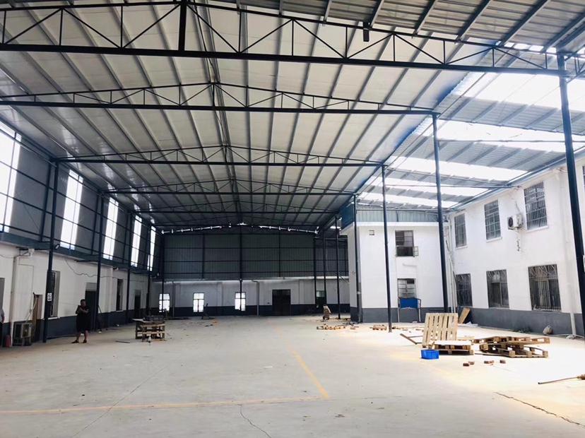 湖南湘钢市场附近1800钢结构厂房