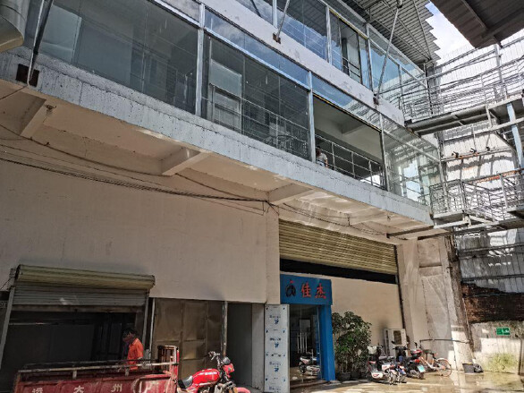 园区楼上带地坪漆厂房空出