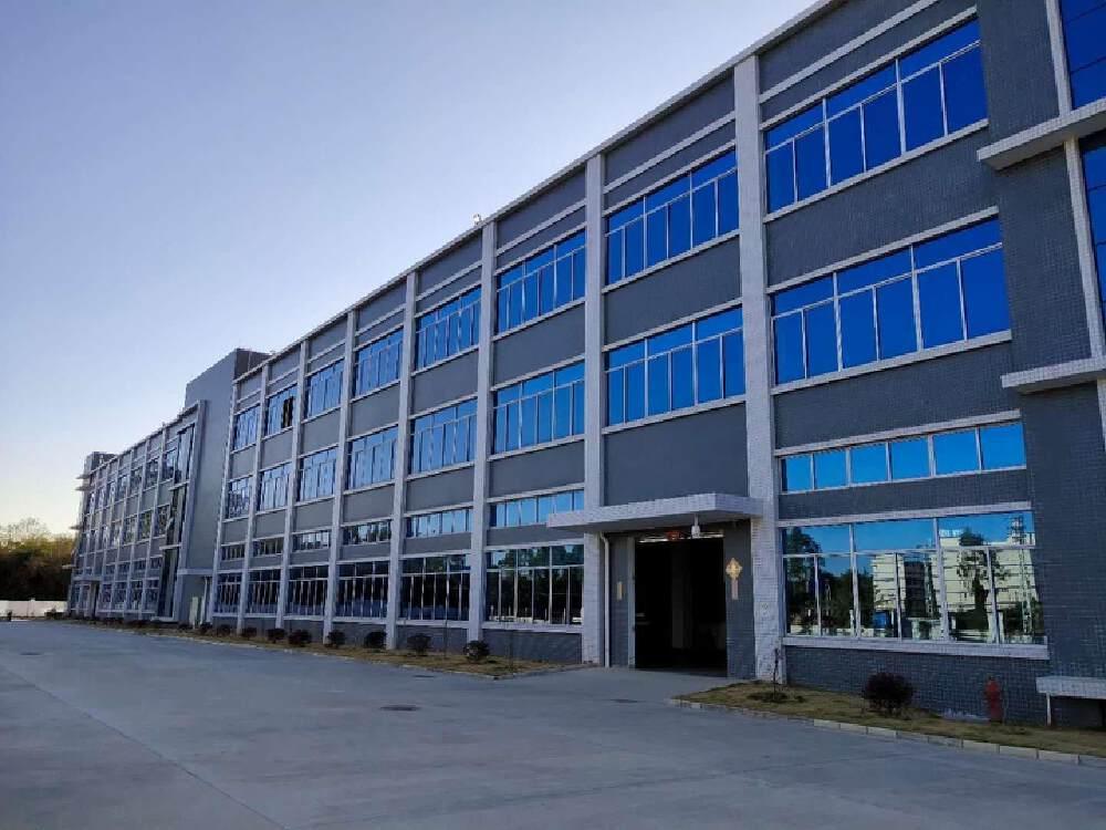 花都镇中心 稀缺4648平红本厂房出售可办环评