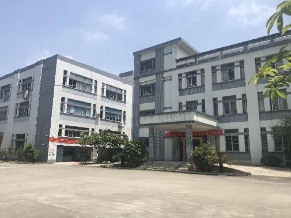 肇庆市横山厂房20000平,电800,租16一平