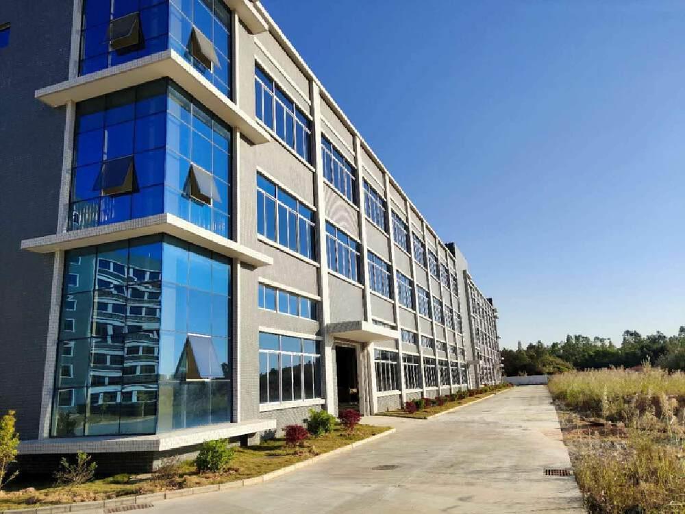 广清产业园5600平红本独栋厂房出售,证件齐全,可做化妆品
