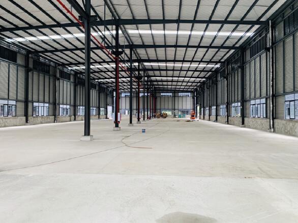 12米单层钢结构,独立产权50年,带5吨牛腿