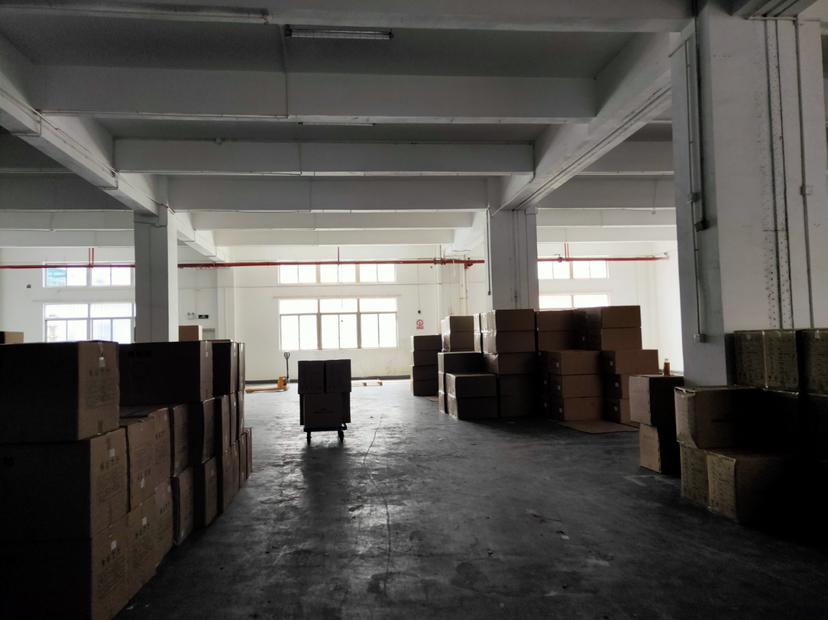 油松一楼仓库960平标准厂房出租