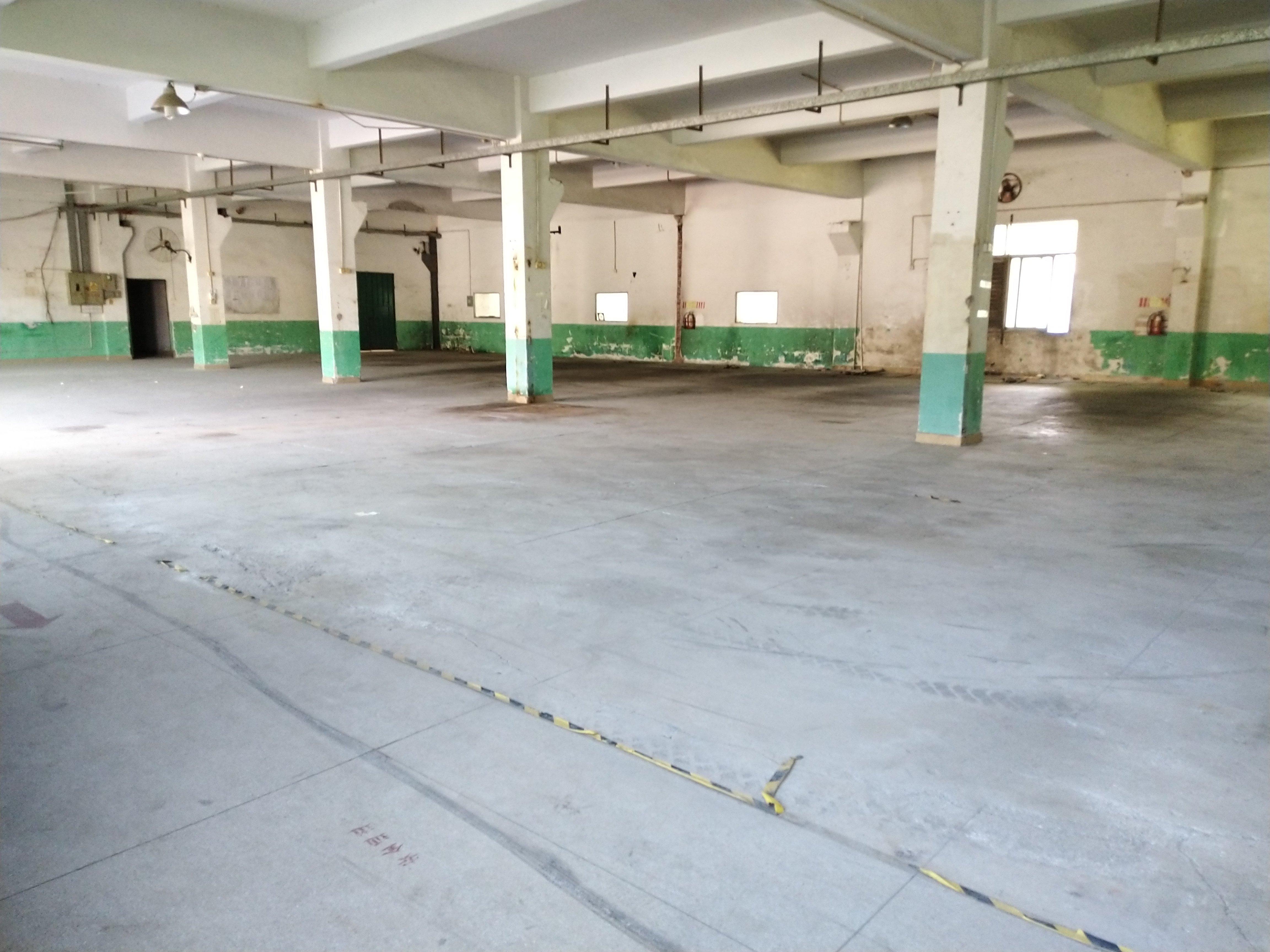 坪山碧岭新出一楼1400平厂房适合做仓库快递等行业合同三年