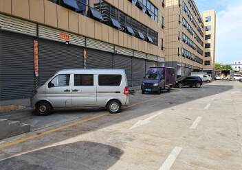 福永和平一楼400平米带物流铺位出租招租可进出货柜车图片1