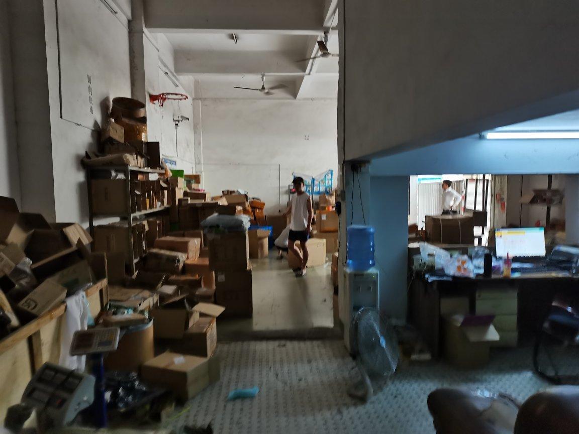 福永和平一楼400平米带物流铺位出租招租可进出货柜车