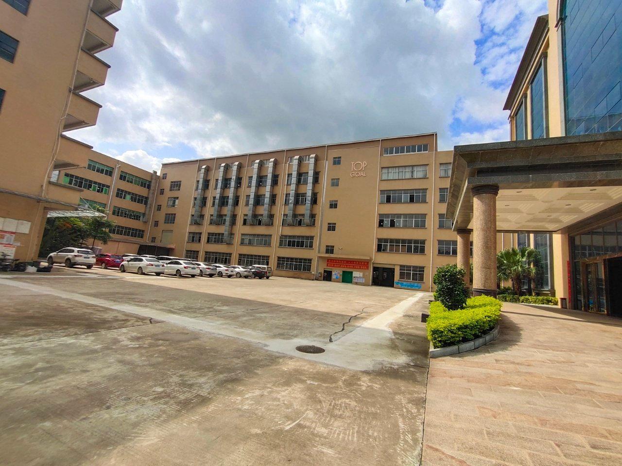 清溪镇厦坭新出楼上厂房2700平方(原房东)