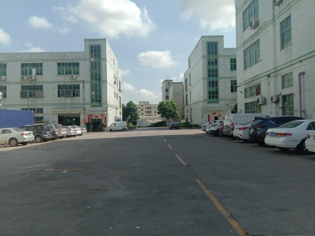 平湖华南城旁新出1-4层独院厂房6300平米,适合仓库生产