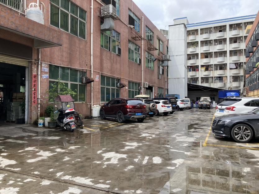 公明独院厂房出租2楼1200平米,原房东,精装修,租金20元
