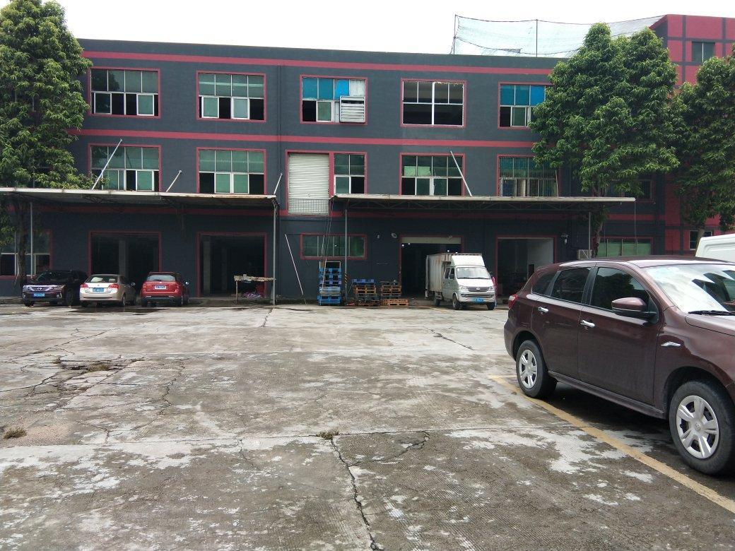 平湖华南城南门附近一楼厂房1350平高5米可做仓库生产合同长