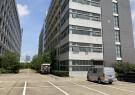 光明高新园区花园式厂房一楼2400平米,原房东出租,合同5年