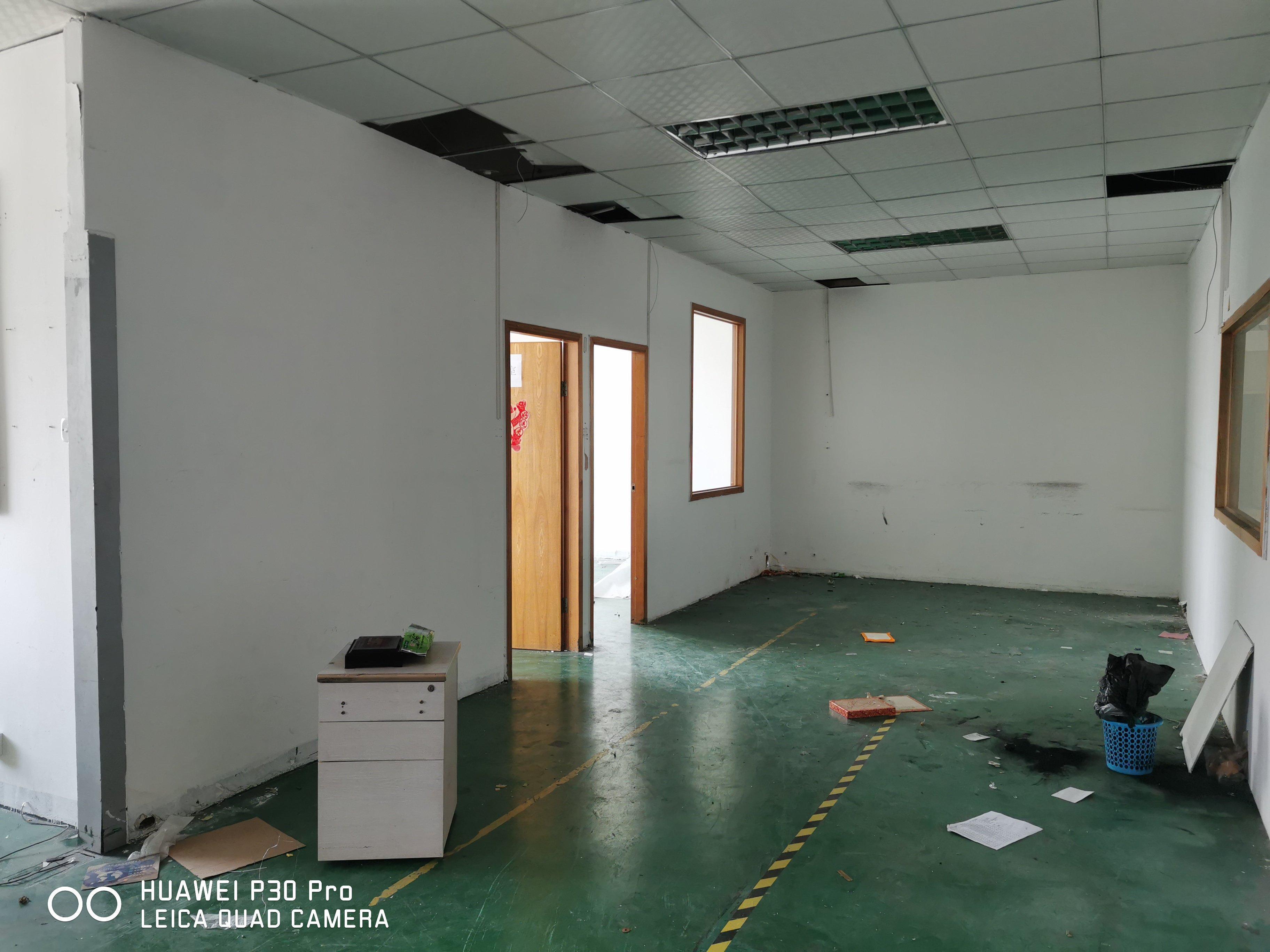 龙华元芬地铁站新出标准厂房三楼700平两个办公室,仓库,车间