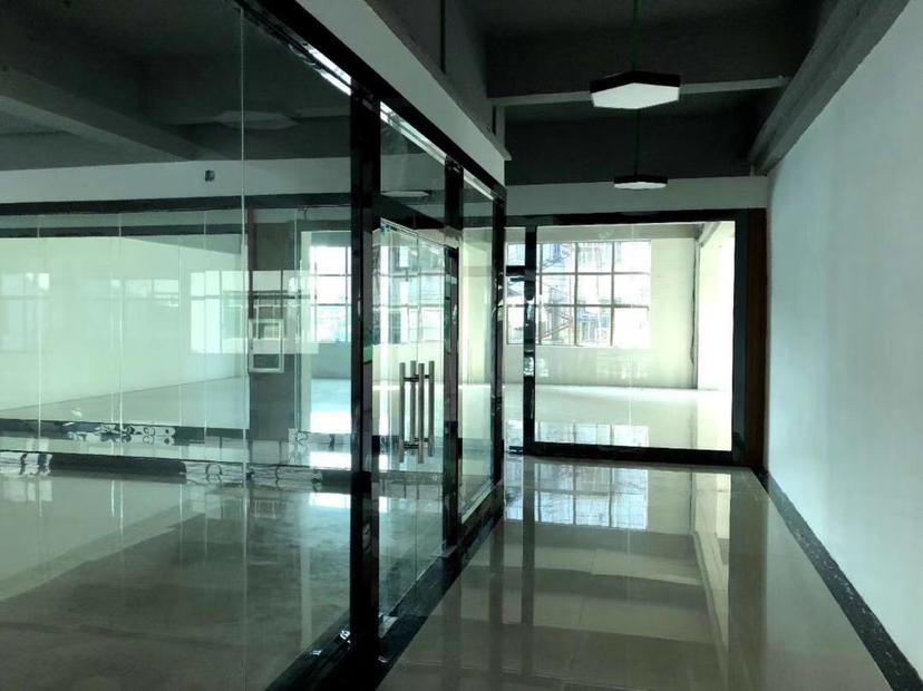 深圳市龙岗区原房东标准厂房出租精装修可办公大小面积都有形象好