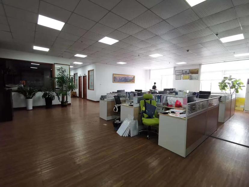 深圳市龙岗区布吉高速路口厂房出租2000平大小分租精装修