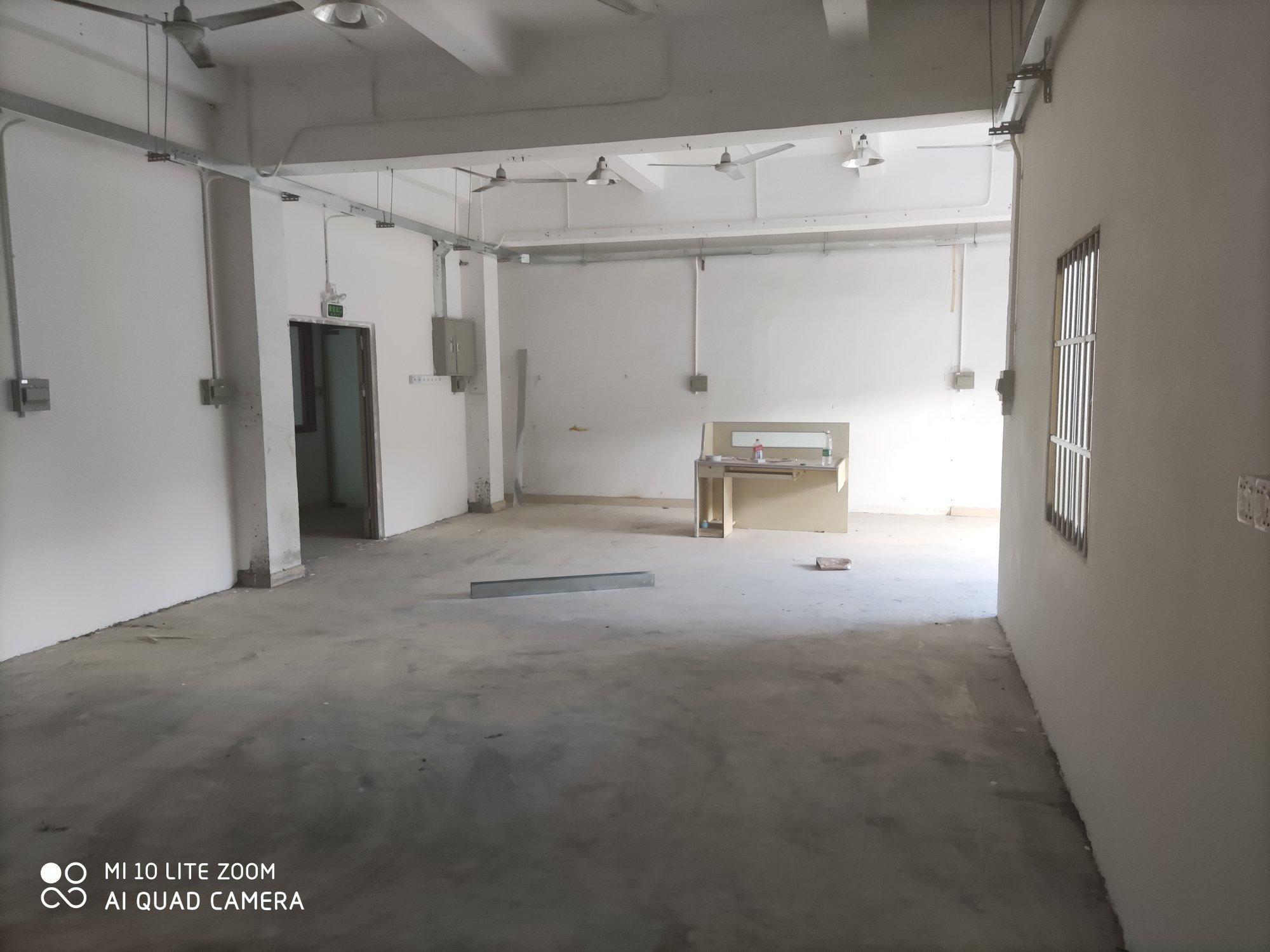 龙岗龙西新出楼上300平厂房出租适合电商办公仓库