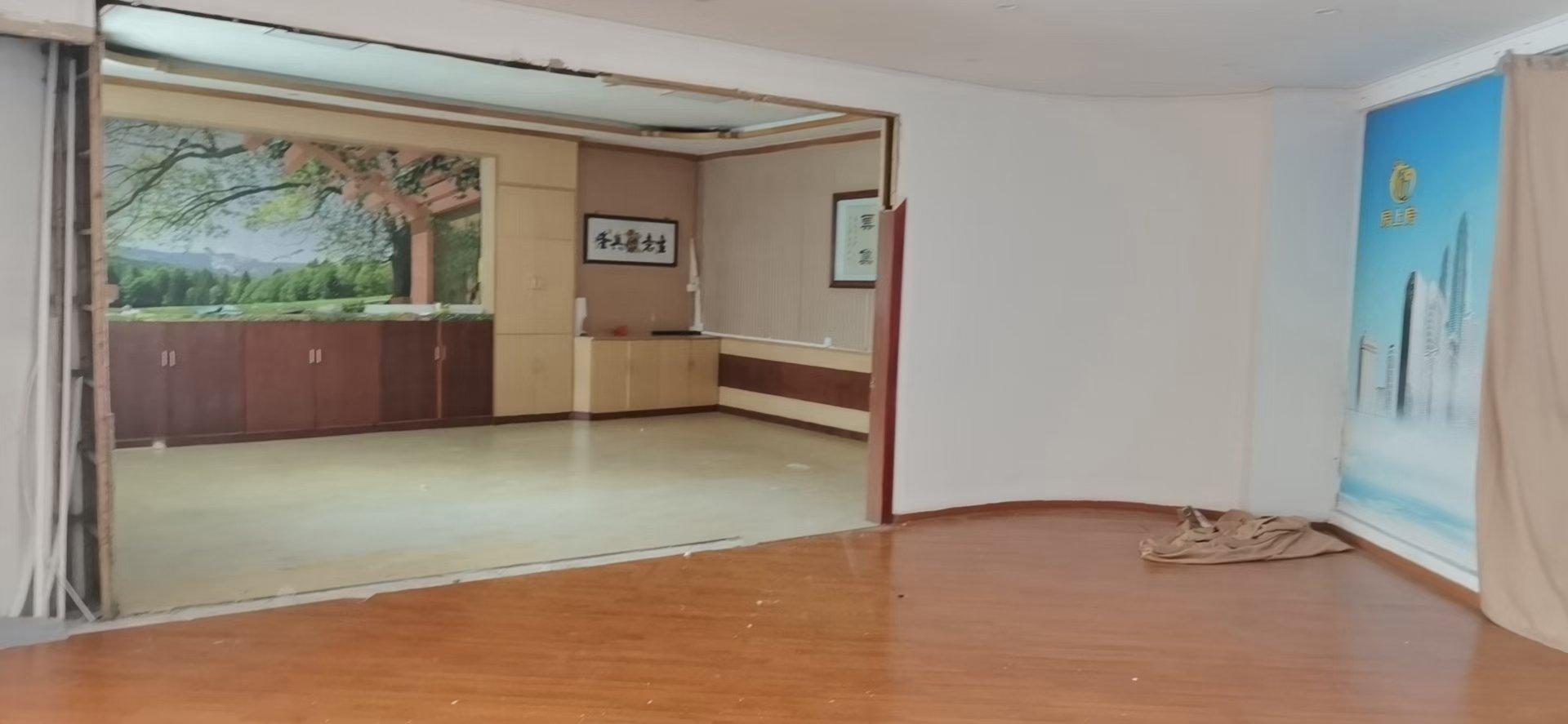 龙山标准厂房一楼200方厂房招租,可做仓库电商,办公室展厅,