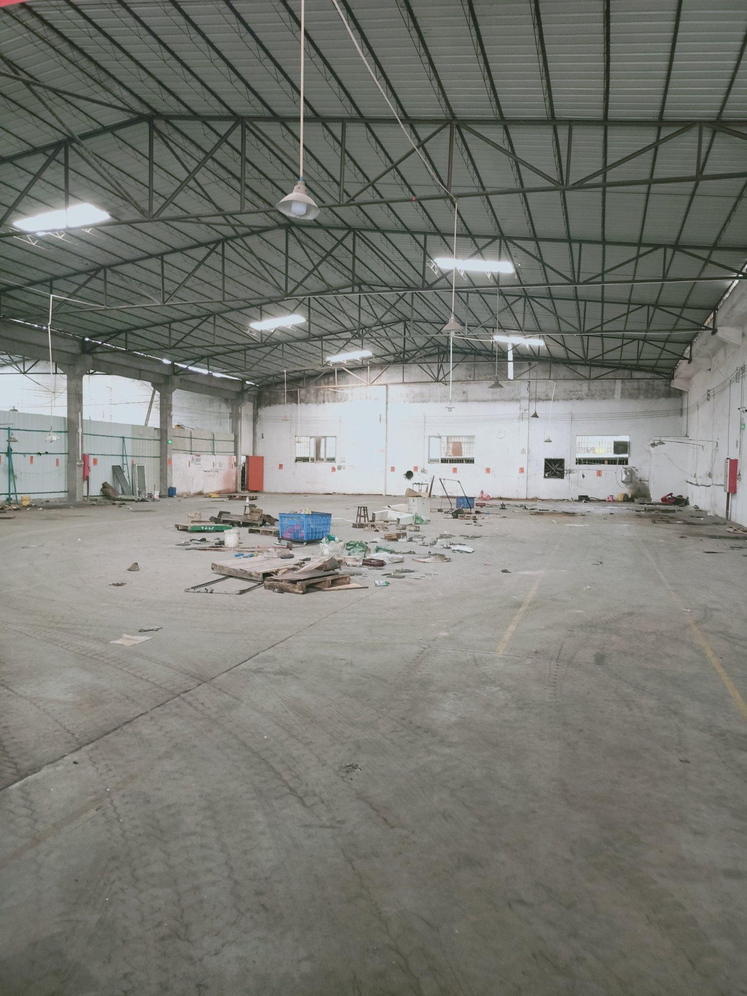 佛山市顺德区容桂单层钢结构厂房出租,原房东可以办证电器仓库