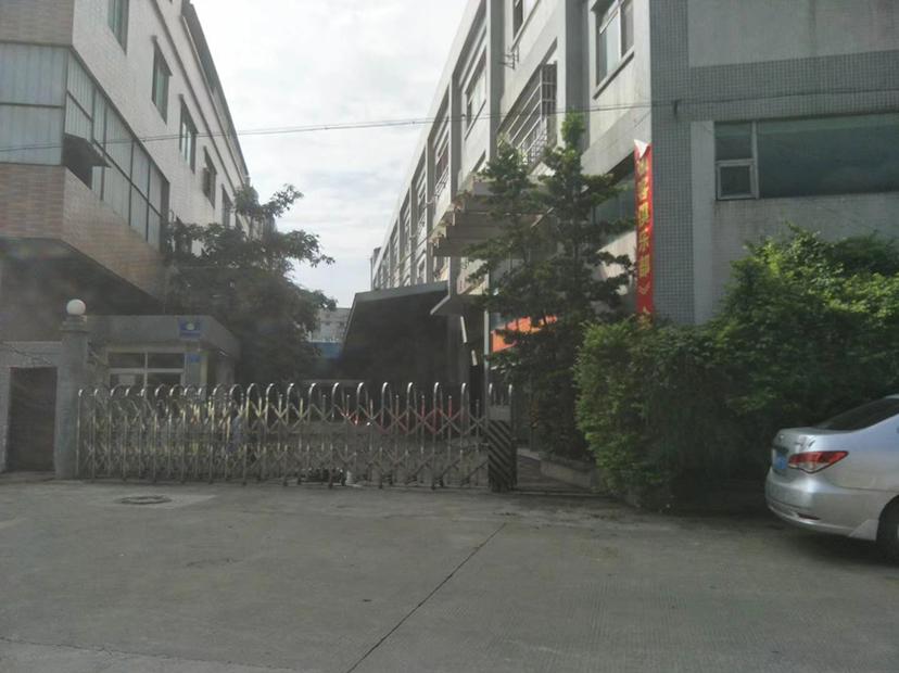龙岗坪地独院1500平高6米原房东红本仓库厂房出租200起租