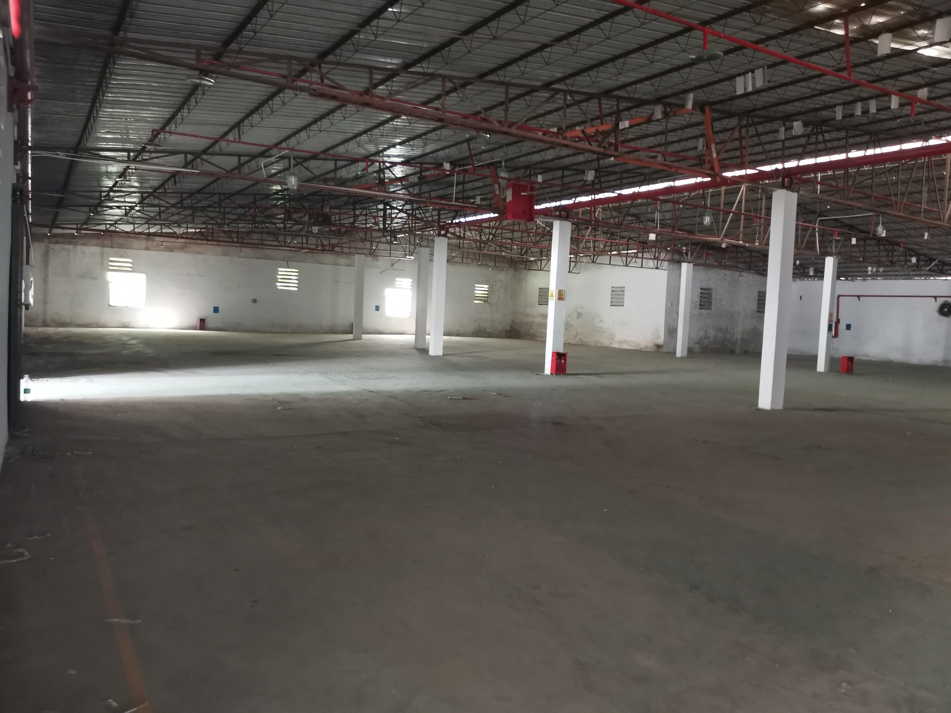 坪山大工业区楼上仓库厂房4000平方出租,带卸货平台