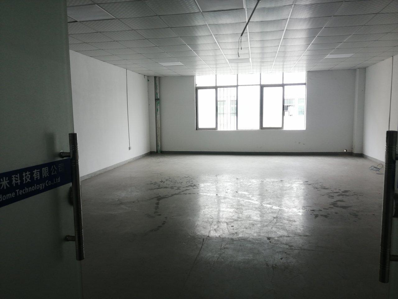 龙岗中宝通科技园135平写字楼,2700全包,仅此一间办公首