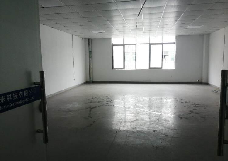 龙岗中宝通科技园135平写字楼,2700全包,仅此一间办公首1