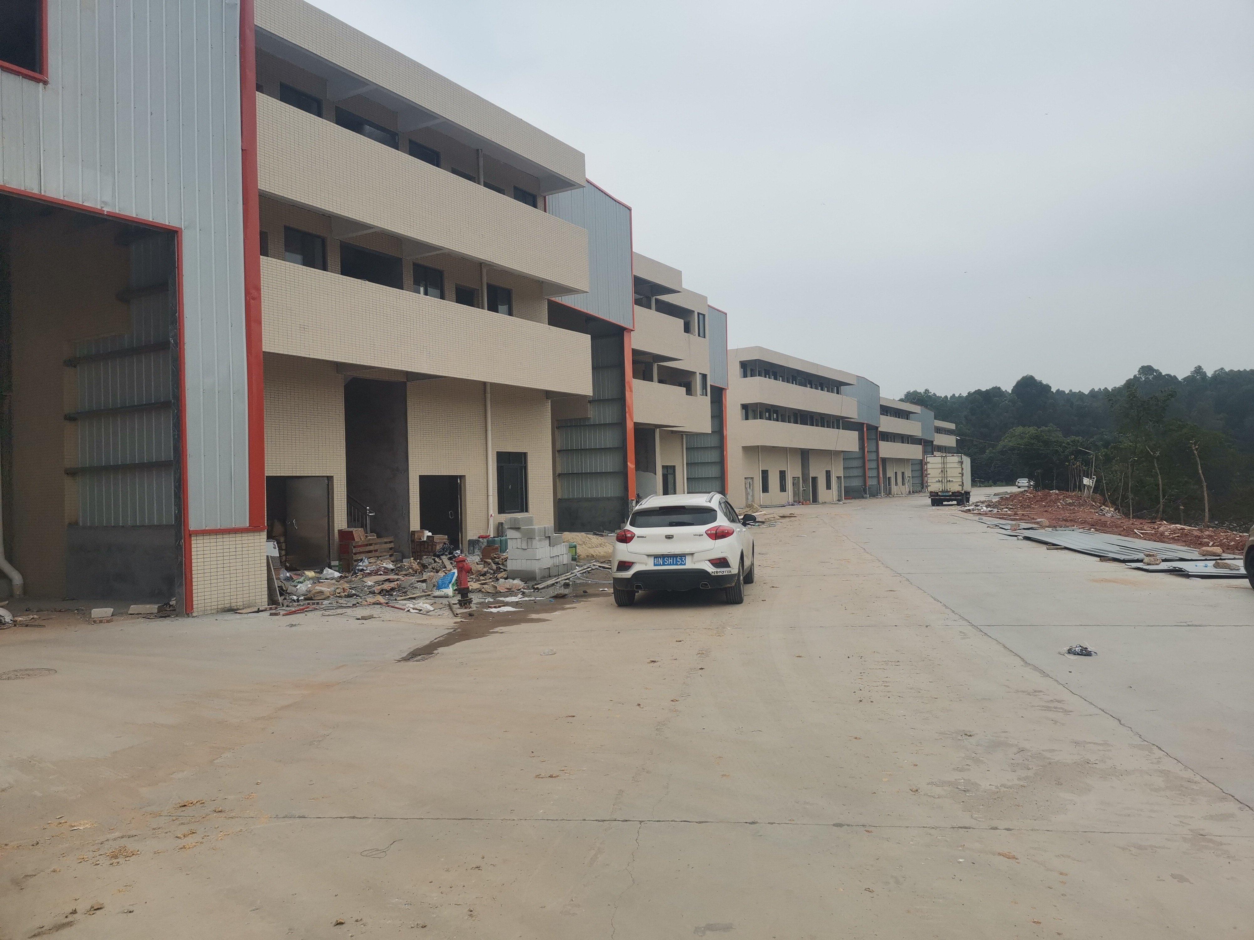 南海区狮山镇,全新厂房仓库出租,装修豪华价格优惠。
