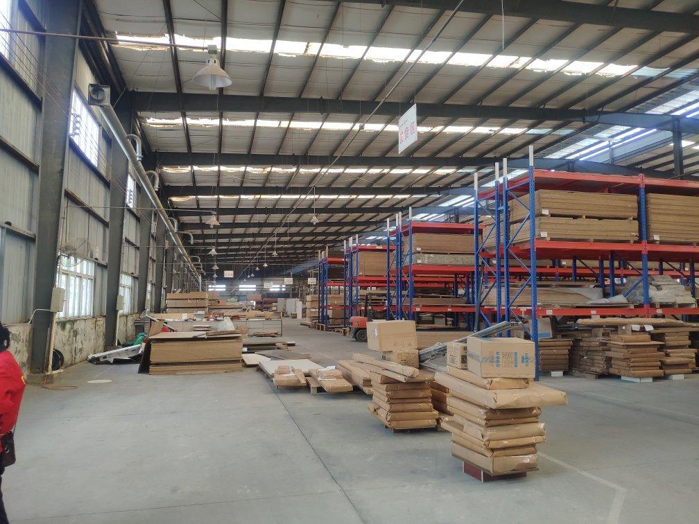 工业园内,家具厂,可分租,可挂靠,3000平,有仓库