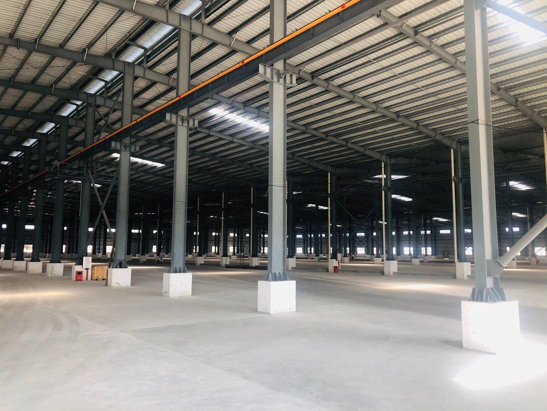 高明区荷城九成新厂房仓库4800方,配套宿舍办公楼,可架行车