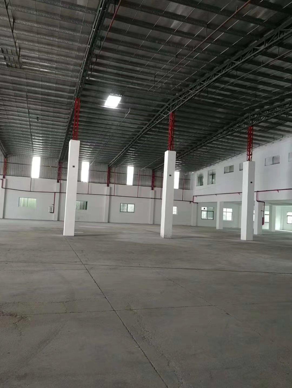 观澜高速出口独门独院单一层仓库厂房4000平米出租。高度8米