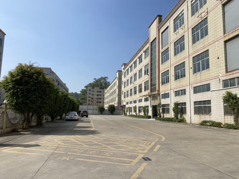 出租 观澜梅观高速口楼上3200平方整层厂房仓库出租可分租