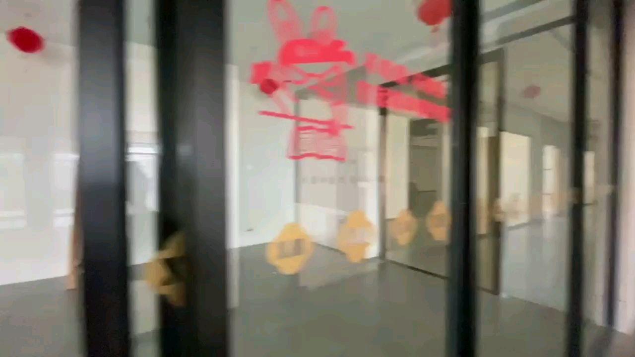 坪山区大工业区2280平现成服装打样车间展厅办公室仓库