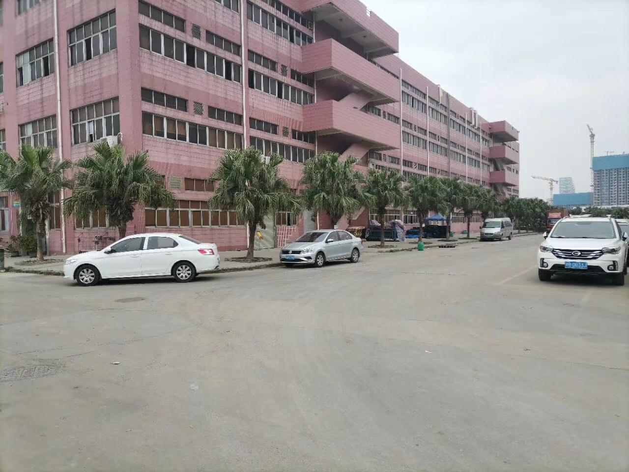 龙华观澜红本厂房仓库16000平原房东实际面积出租分租空地大