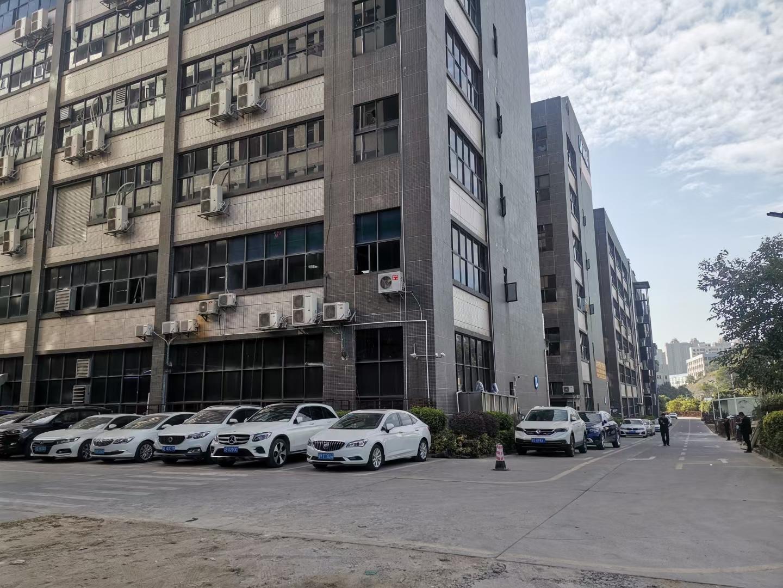 龙华大浪红本厂房仓库5000平原房东实际面积出租分租空地大