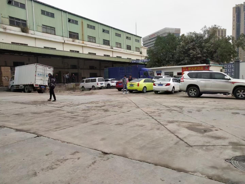 清湖地铁口旁原房东一楼5800平厂房仓库出租带平台价格优惠