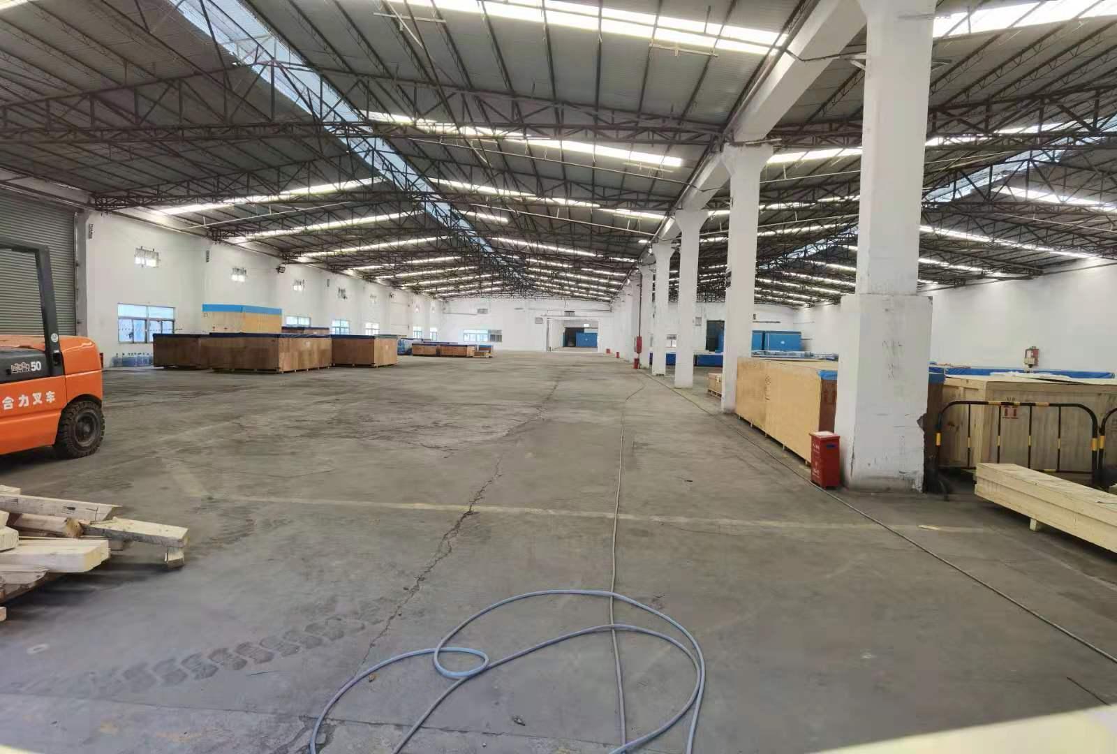 松岗松福大道边单一层8000平米钢结构仓库厂房低价招租