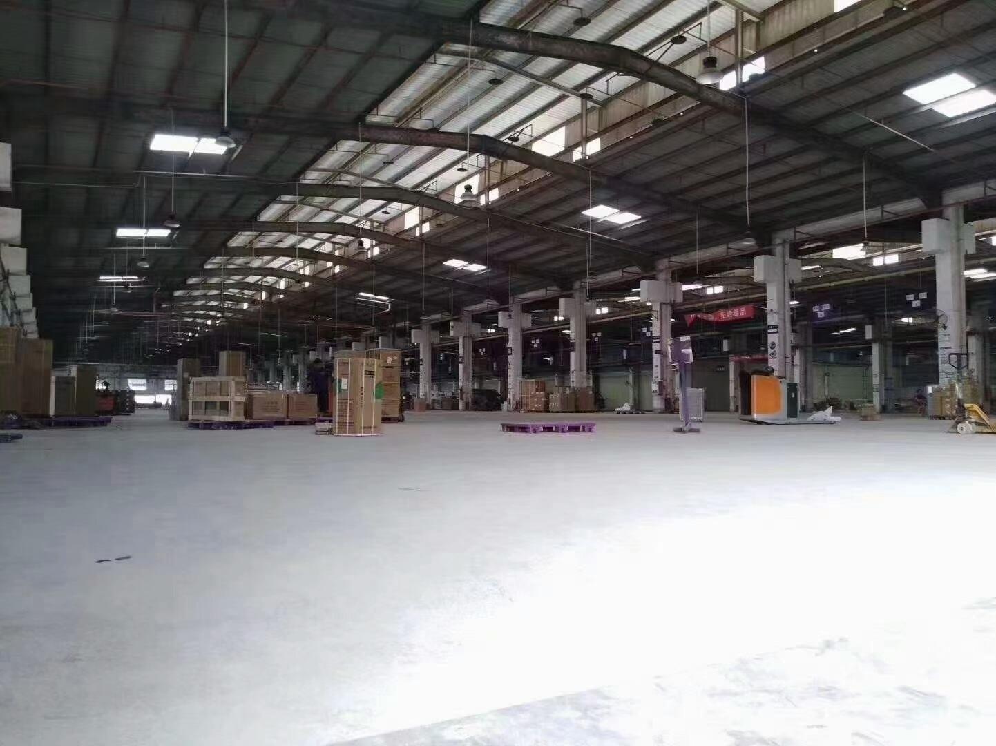 松岗新出标准物流仓库厂房21560平米带三面卸货平台厂房招租