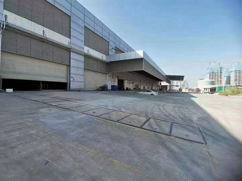 福永沿江高速口新出1到3层30000平米,精装修厂房物流仓库