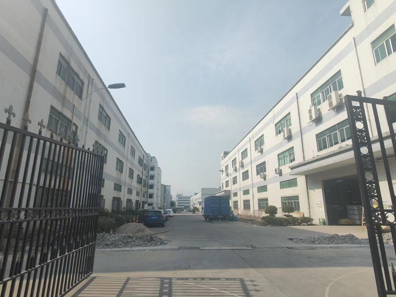 龙华大浪红本厂房仓库2500平独门独院原房东实际面积出租分租