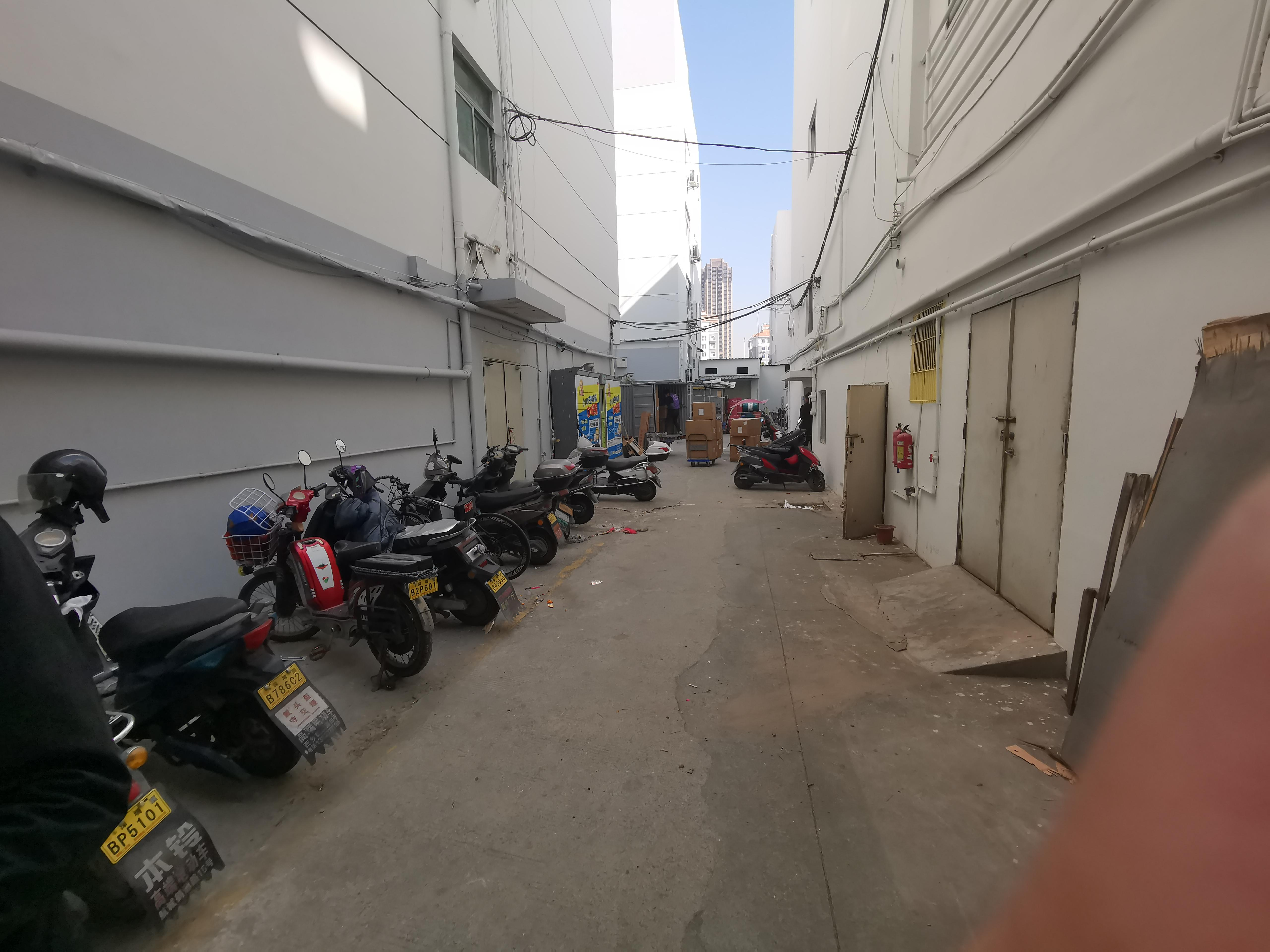 西乡鹤洲阳光工业区230平仓库高使用率厂房出租