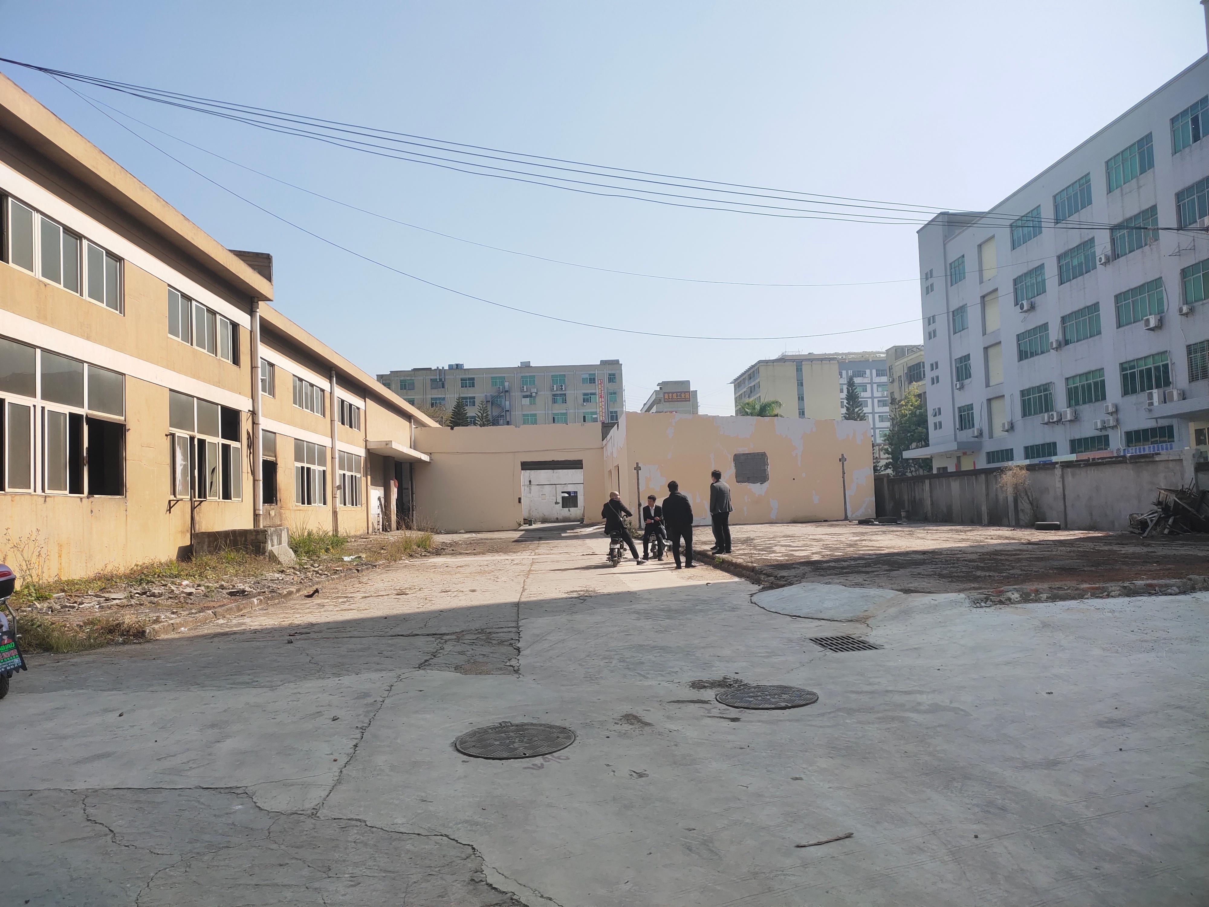 石岩高速口新出独门独院单一层6000平方厂房仓库出租可办环评