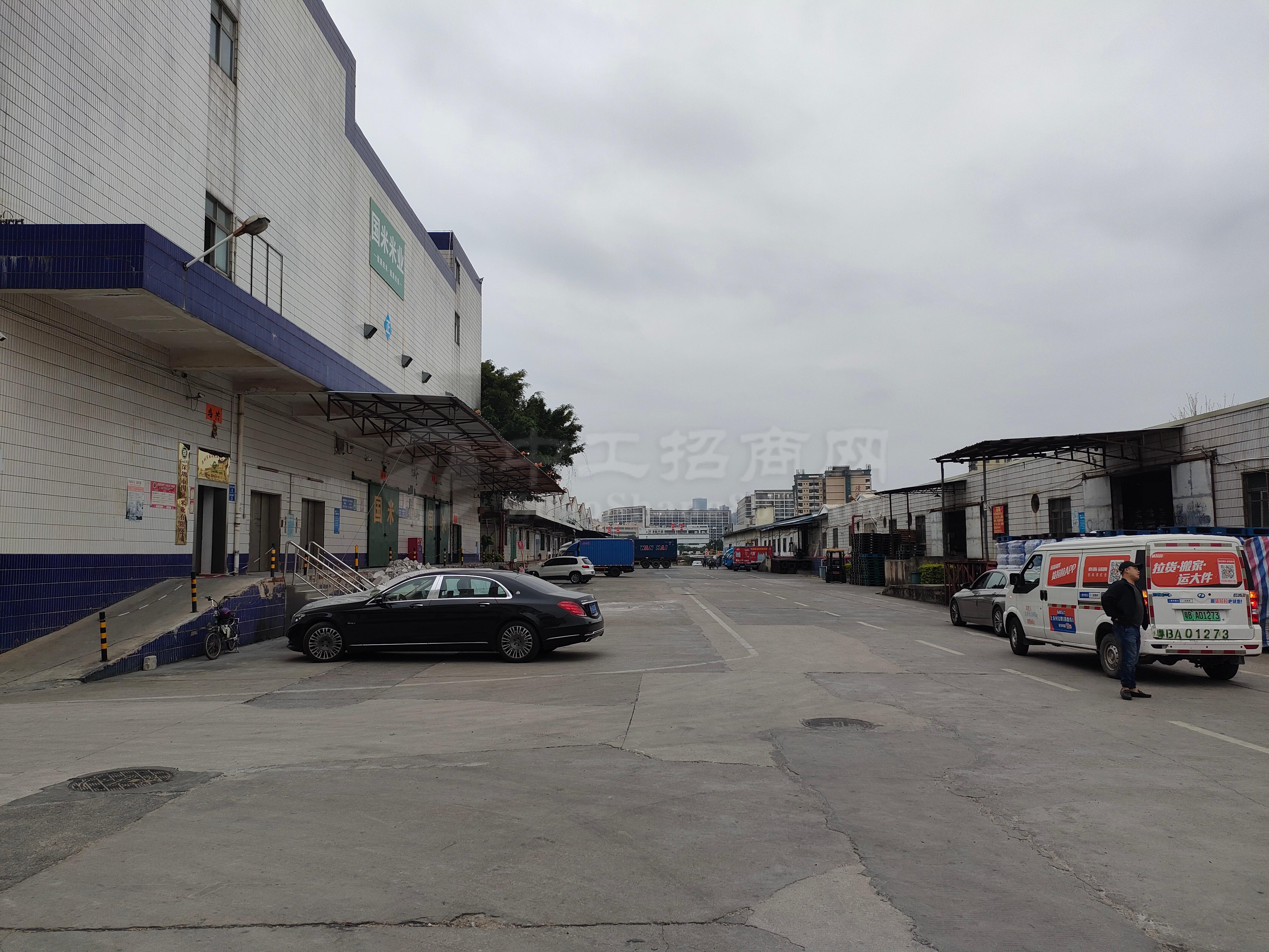 龙华清湖物流仓厂房5500平带4部5吨货梯工业园厂房仓库出租