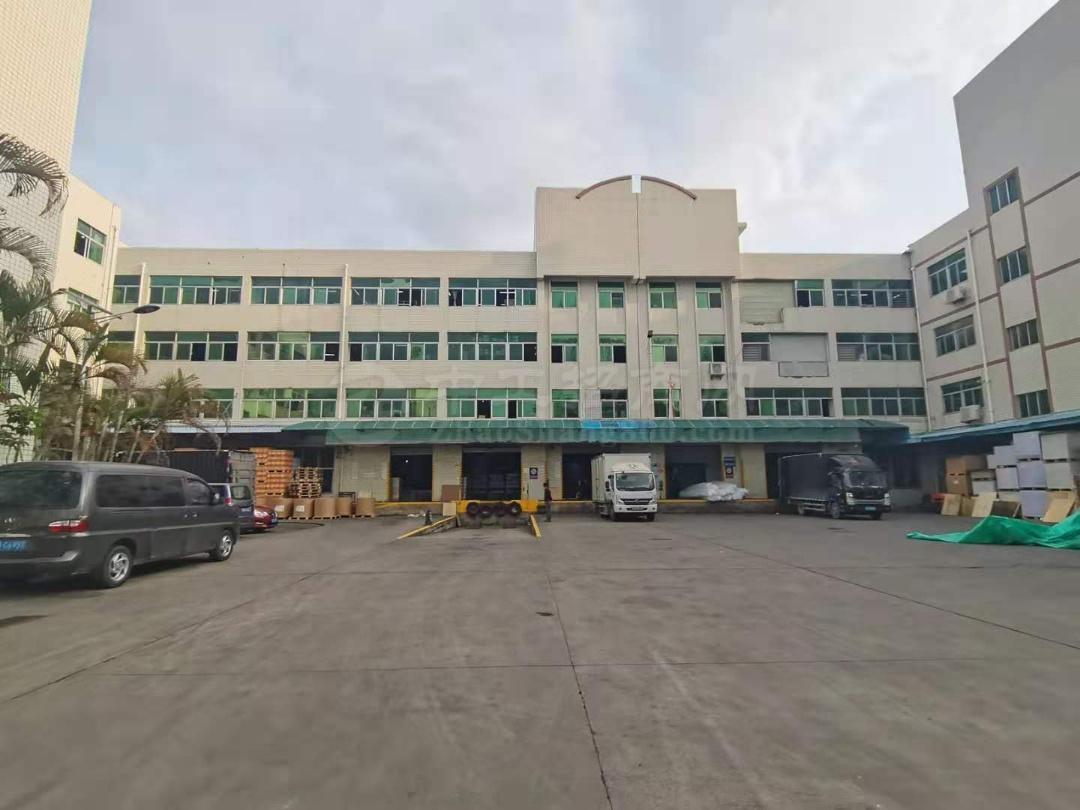 观澜靠近坂田一楼厂房4000平仓库实际面积出租,带卸货平台